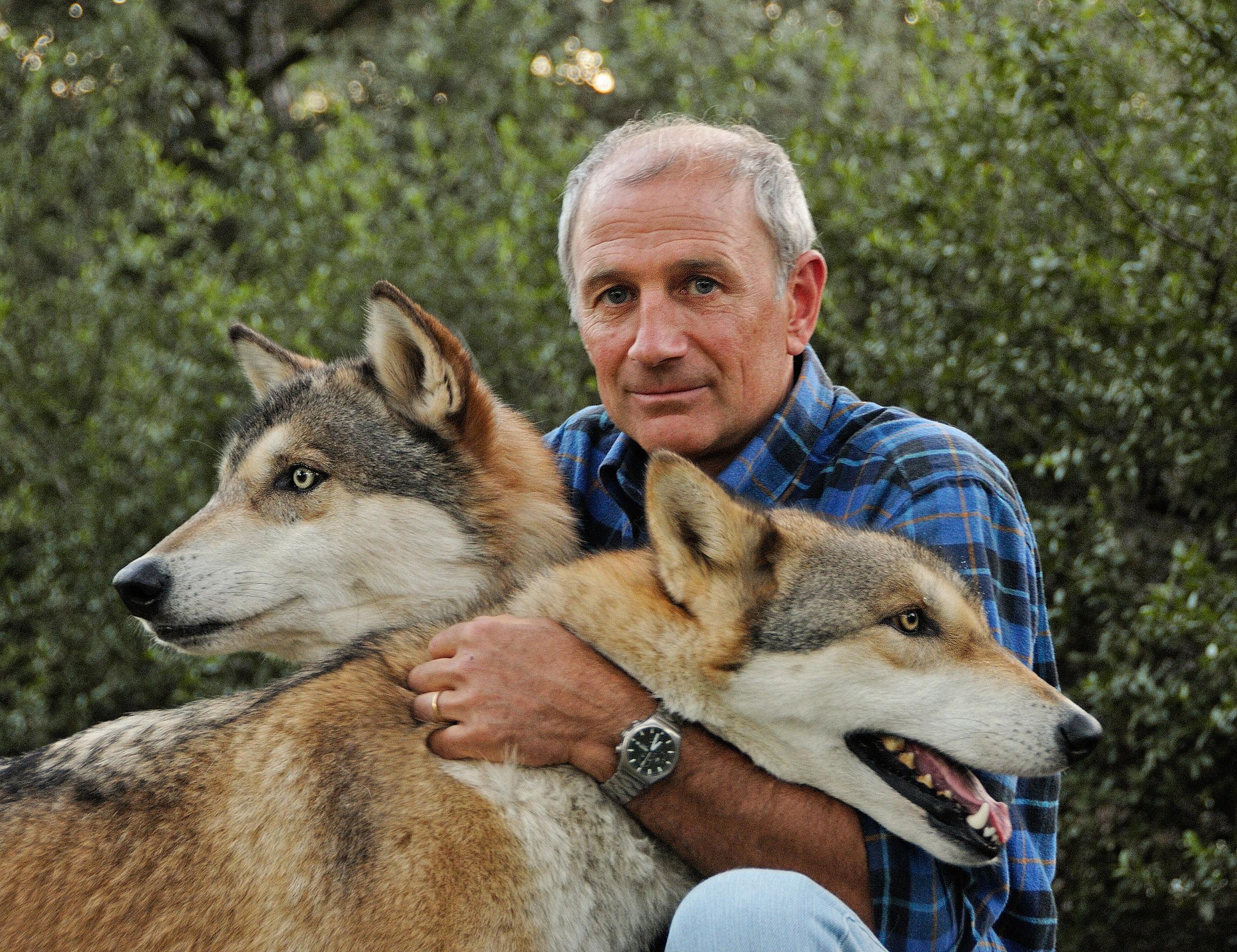 eric dragesco avec les loups de sa soeur